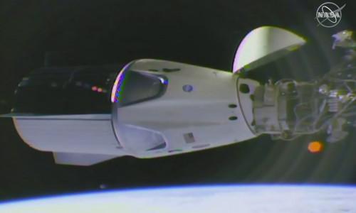 SpaceX'in personel taşıyıcı kapsülü UUİ'ye ulaştı