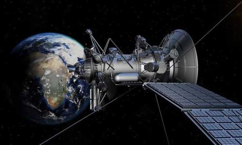 Yörüngede uydu yarışı kızışıyor