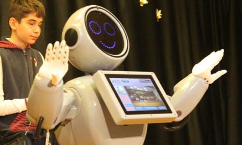 Konya'da tasarlanan Mini Robot ADA
