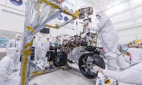 NASA'nın keşif robotuna yeni tekerlekleri takıldı