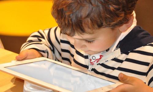 Ailelere yaz tatilinde dijital dünya ile ilgili uyarılar