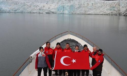 Türk bilim insanları rotayı Kuzey Kutbu'na çevirdi