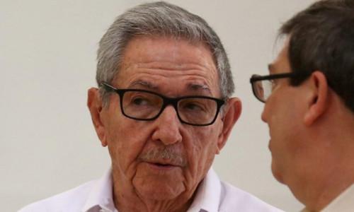 Twitter'dan Raul Castro'ya engel