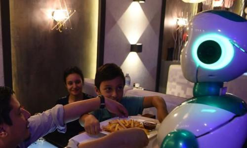 Robo-restorant: Yapay zeka siparişinizi almaya hazır