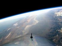 Dünya'nın yeni 'Mini Ay'ı yörüngeye giriyor