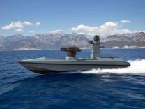 Türkiye'nin ilk silahlı insansız deniz aracı SİDA tanıtıldı