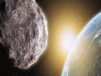 Gökdelen büyüklüğündeki göktaşı gezegenimizi teğet geçecek