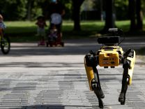 Boston Dynamics'in robotu dans ediyor
