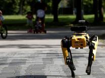 Boston Dynamics'in robotu dans ediyor