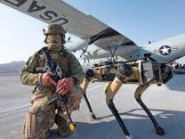 ABD ordusu robot köpekler ile tatbikat yaptı