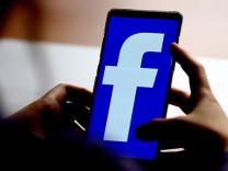 Facebook'a suçlama: Instagram üzerinden casusluk yapıyor