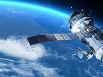 Uzayda kaza son anda önlendi