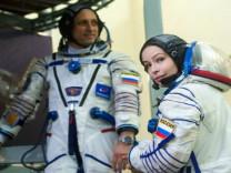 Uzayda çekilecek ilk film için uçuş izni verildi: Vızov ekibi bugün Dünya'dan ayrılacak