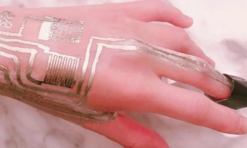 Oda sıcaklığında cilde uygulanabilen giyilebilir sensör geliştirildi