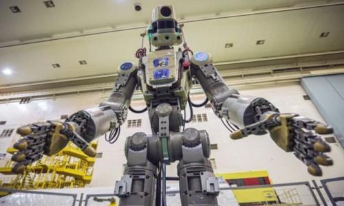 Rus uzay robotu Fedor kozmonotlara hakaret etti