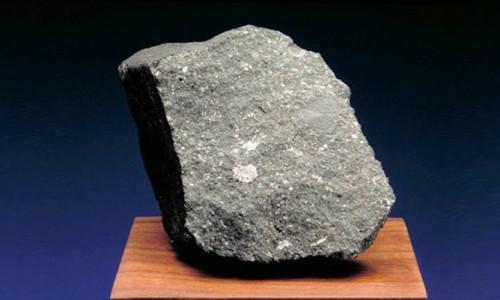 Bilim insanları meteor'da Güneş Sistemi'nden eski bileşenler buldu