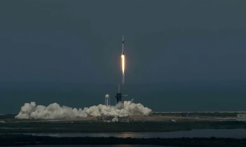 SpaceX'in uzay mekiği başarıyla fırlatıldı