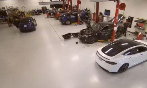 Hackerlar Tesla'nın kameralarına erişti