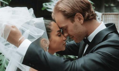 Clubhouse'da evlenen çiftin törenini 27 bin kişi dinledi
