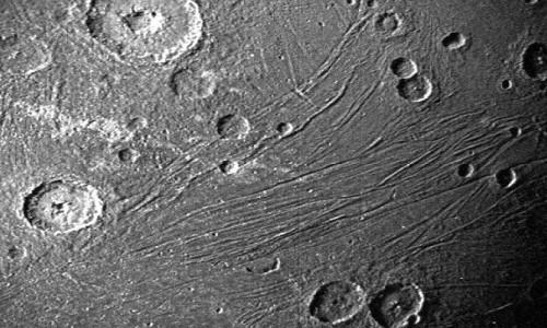 NASA, Jüpiter'in uydusunun fotoğraflarını yayınladı
