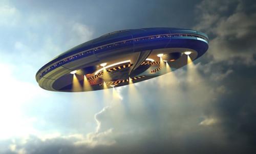Eski Pentagon yetkilisinden çarpıcı UFO açıklaması