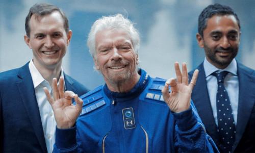 Milyarder Branson, uzay yolculuğu ile tarihe geçti